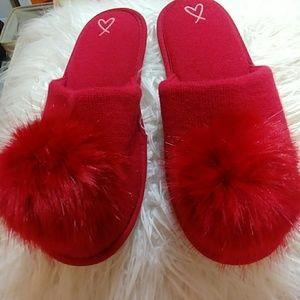 NWOT, Victoria's Secret faux fur pom pom slippers